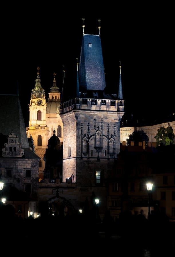 Charles mosta wierza, noc Praga obraz royalty free