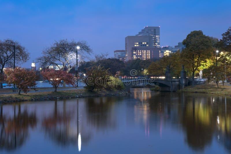 Charles River Boston auf Autumn Afternoon lizenzfreie stockfotos