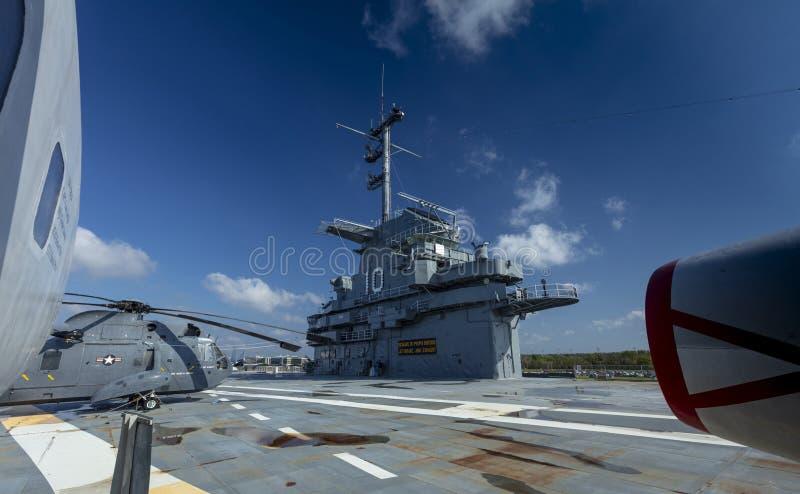 Charleston, Carolina del Sur, Estados Unidos, noviembre de 2019, torre de control del buque uss yorktown fotos de archivo