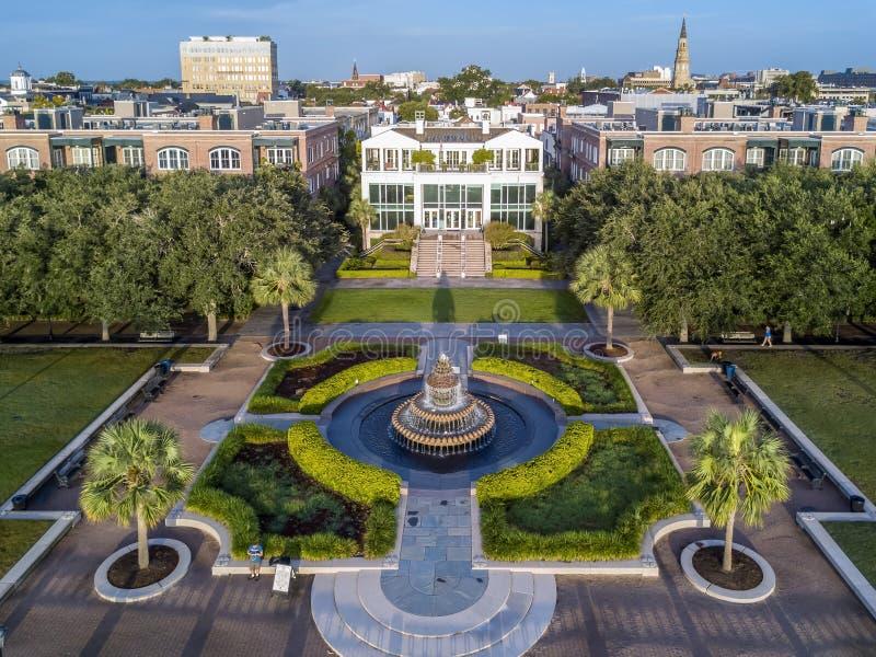 Charleston, skyline do SC durante o por do sol imagens de stock royalty free