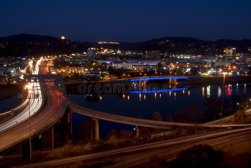 Charleston - Virginia Occidental (noche) imagen de archivo