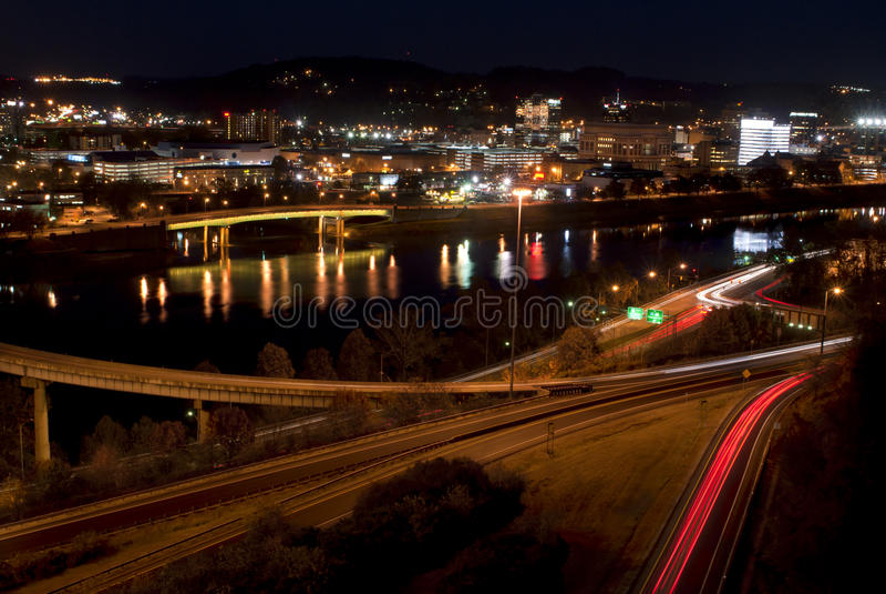 Charleston - West Virginia (natten) royaltyfri fotografi