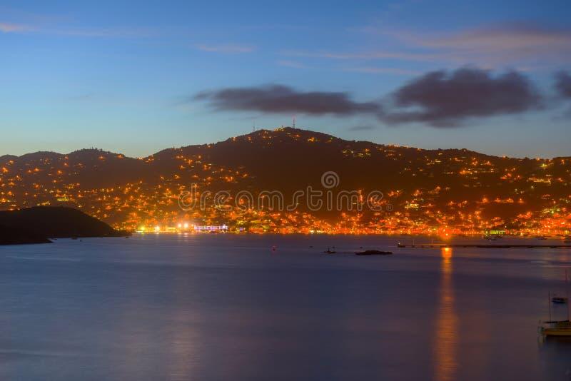Charlotte Amalie på nattSt Thomas Island, USA royaltyfri bild