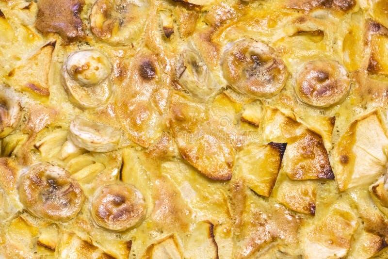 Charlotte-Torte mit Äpfeln stockbilder