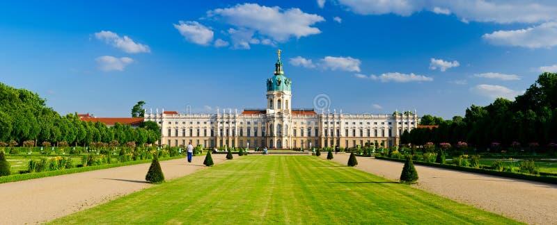 charlottenburg trädgårds- slott royaltyfria foton