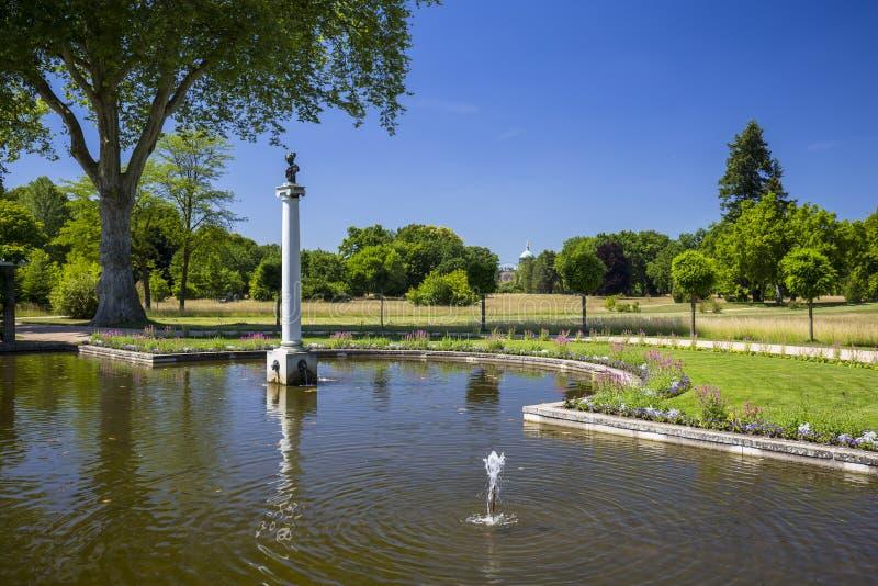 Charlottenhof宫殿在Sanssouci公园在波茨坦 德国 免版税库存照片