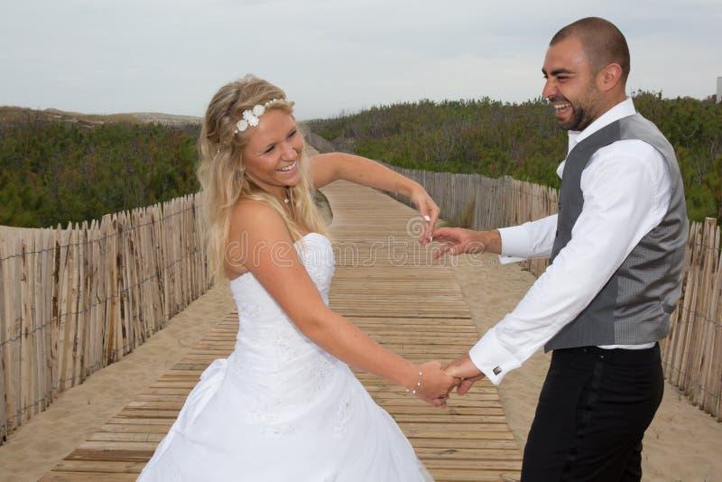 Charma och älska brölloppar royaltyfri fotografi