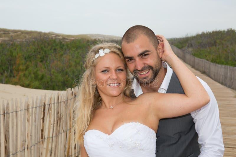 Charma och älska brölloppar arkivbilder