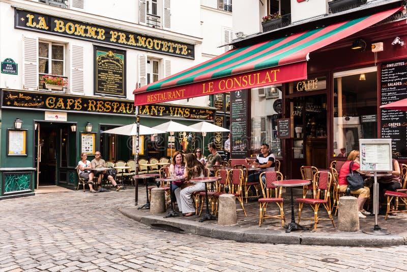 Charmant restaurant Le Consulat op de Montmartre-heuvel Parijs, F royalty-vrije stock afbeelding