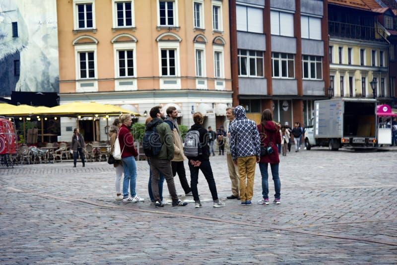 Charmante straten en huizen van Oud Riga stock foto