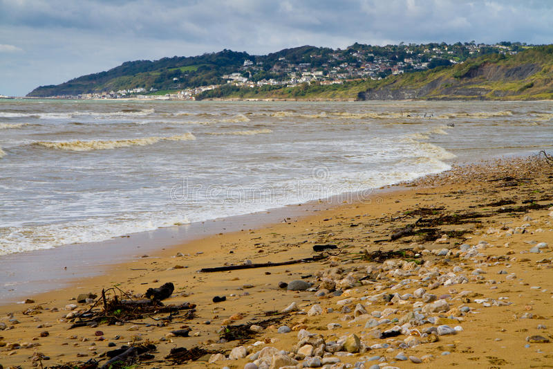 Charmouth strand i Dorset arkivbild