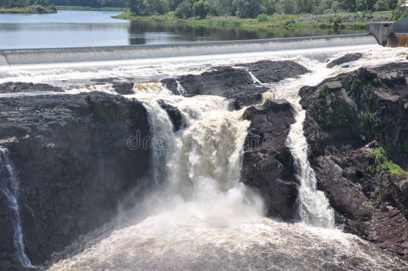 Charny,魁北克,加拿大瀑布  免版税库存照片