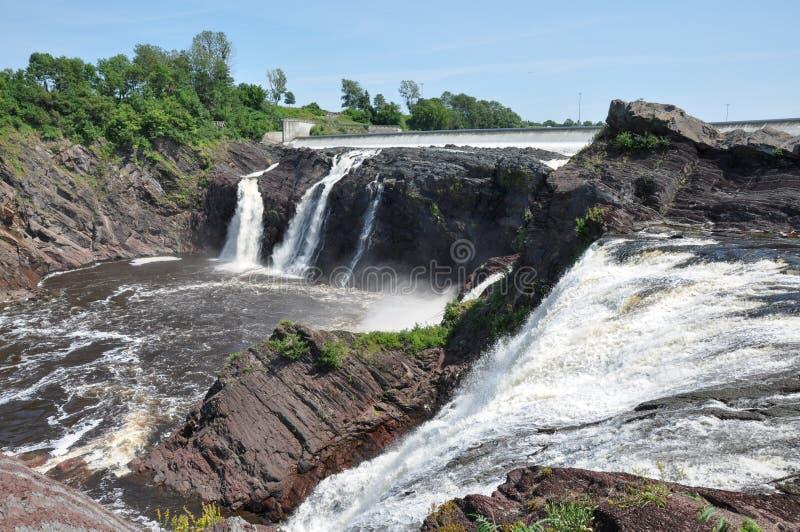Charny,魁北克,加拿大瀑布  免版税图库摄影