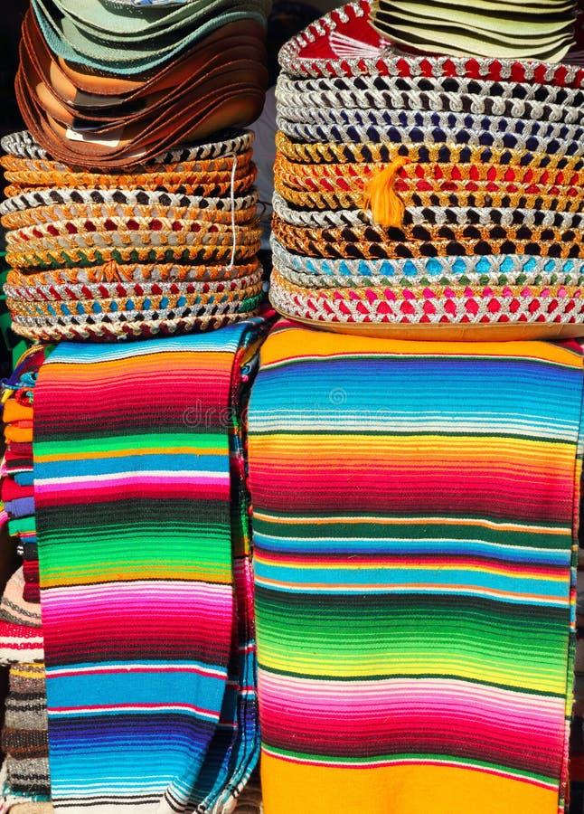 charro kolorowych kapeluszy meksykański serape brogujący obraz royalty free