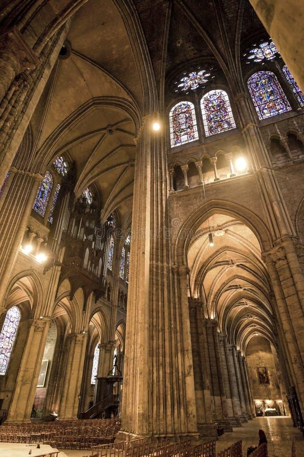 Chartres - interior da catedral fotografia de stock