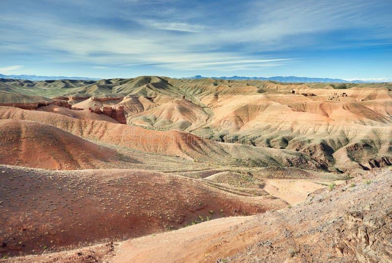 Charyn kanjon i öken av Kasakhstan arkivfoton