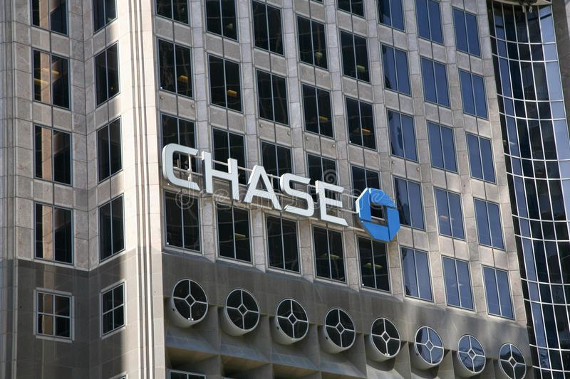 Chase Bank Building. Chase Bank provides credit cards, mortgages, commercial banking, auto loans, investing & retirement planning, checking and business banking stock photo