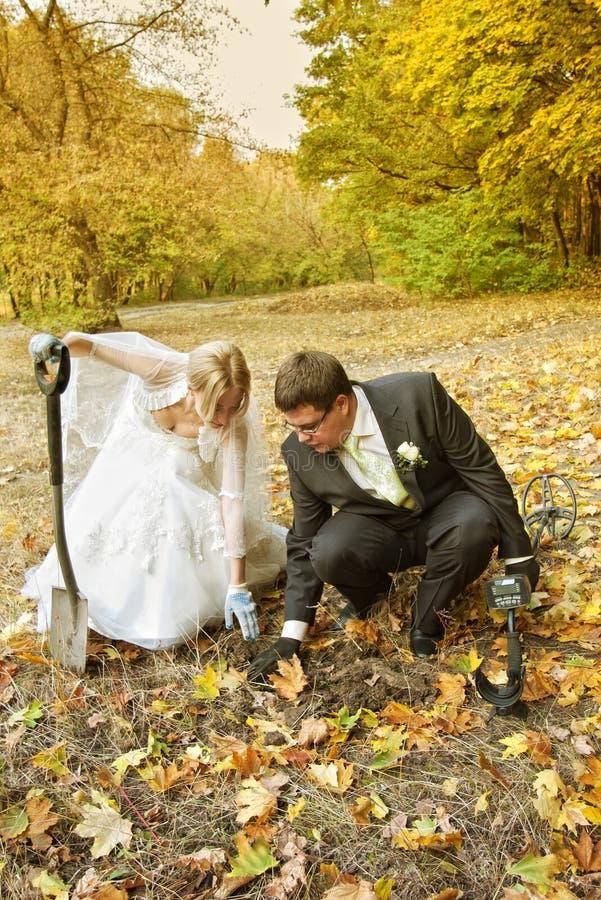 Chasse à trésor de mariage images stock