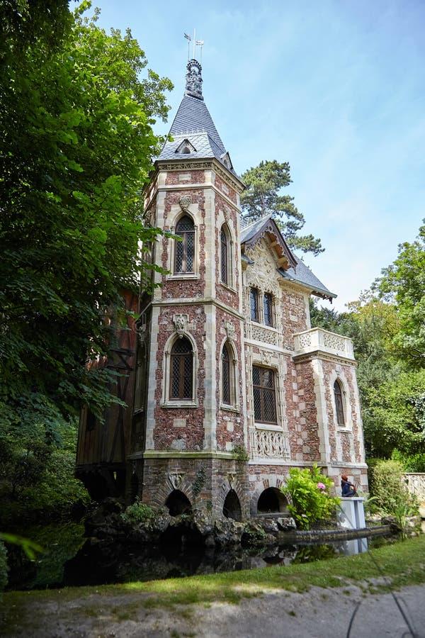 Chateau D 'als in het Park DE Monte Cristo stock afbeeldingen