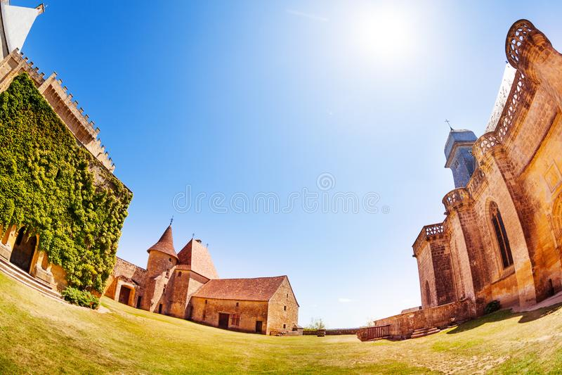 Chateau de Biron κτήρια, Γαλλία, Ευρώπη στοκ εικόνες
