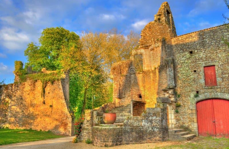 Chateau de Bressuire, en förstörd slott i Frankrike arkivfoton