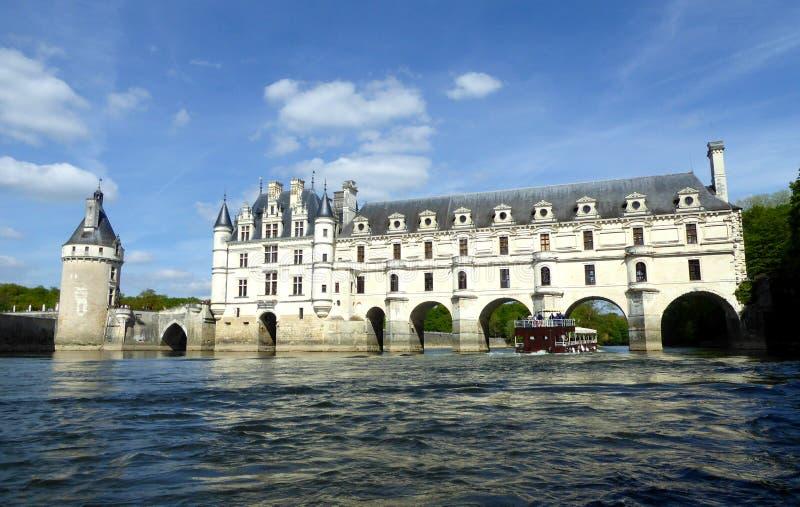 Chateau de Chenonceau på den Cher floden - Frankrike, Loiret Valley arkivfoton