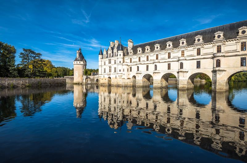 Chateau de Chenonceau på den Cher floden, Loire Valley, Frankrike royaltyfria bilder
