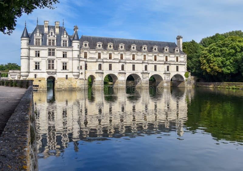 Chateau de Chenonceau p? den Cher floden - Frankrike, Loiret Valley royaltyfri bild