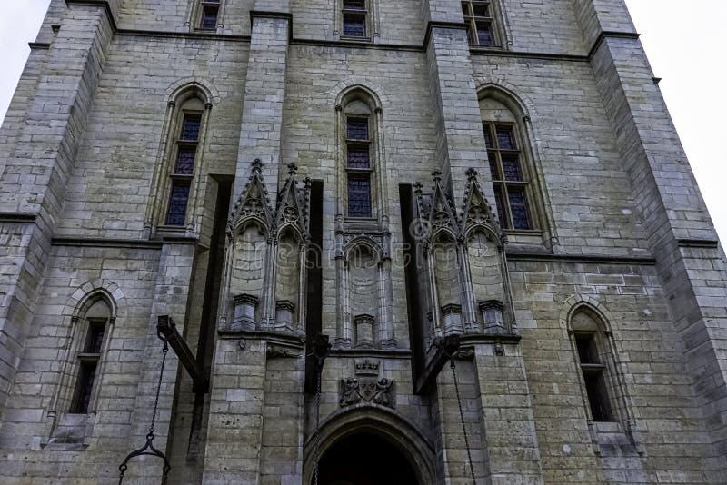 Chateau de Vincennes - massiv fransk kunglig fästning för 14th och 17th århundrade i staden av Vincennes, Frankrike royaltyfria bilder