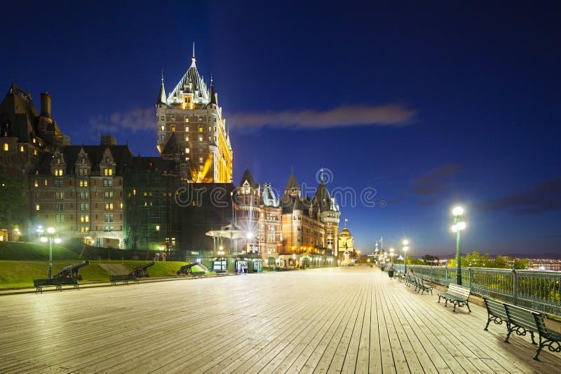 Chateau Frontenac i Quebec City på natten, Kanada royaltyfria bilder