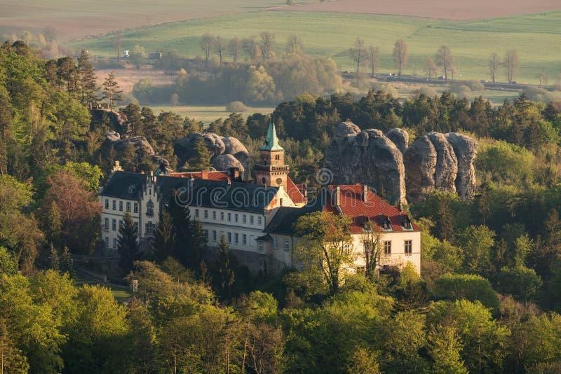Chateau Hruba Skala in böhmischem Paradise Luftschu? stockbilder