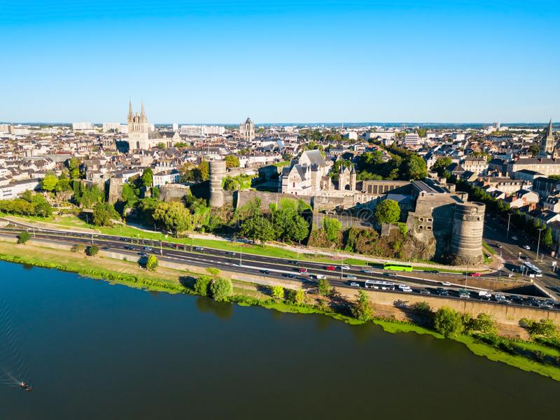 Chateau verärgert Schloss in Frankreich stockfotos