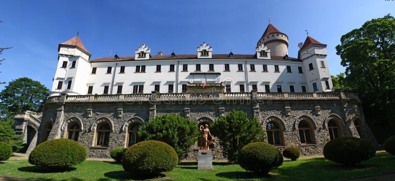 Chateaupanorama lizenzfreies stockfoto