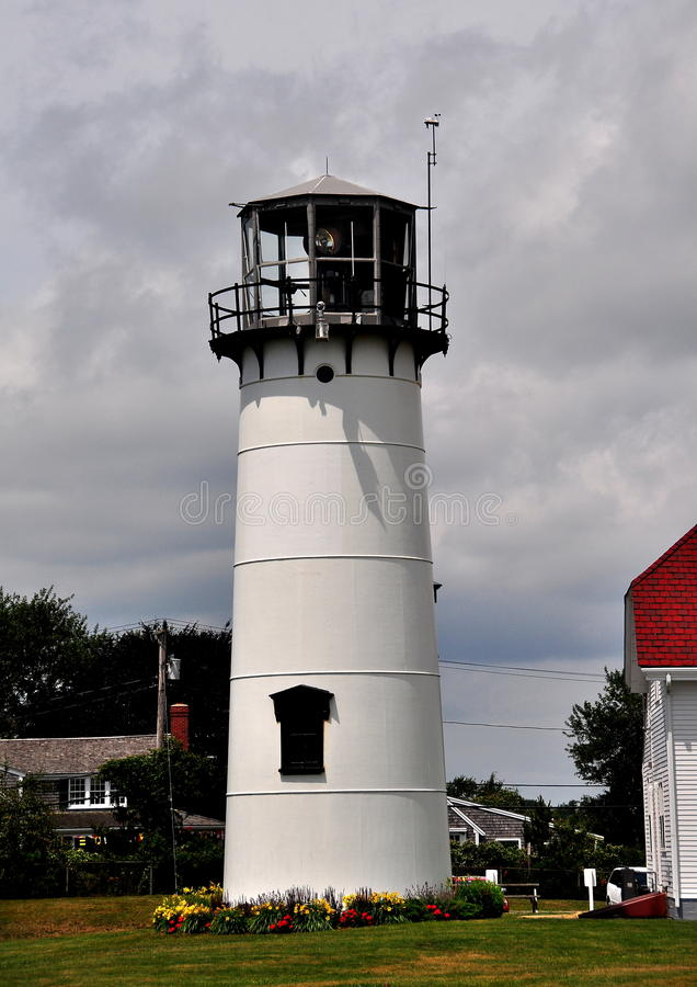 Chatham,MA: Chatham Lighthouse. Chatham, Massachusetts: Chatham Lighthouse overlooks the Atlantic Ocean at Chatham Beach stock photo