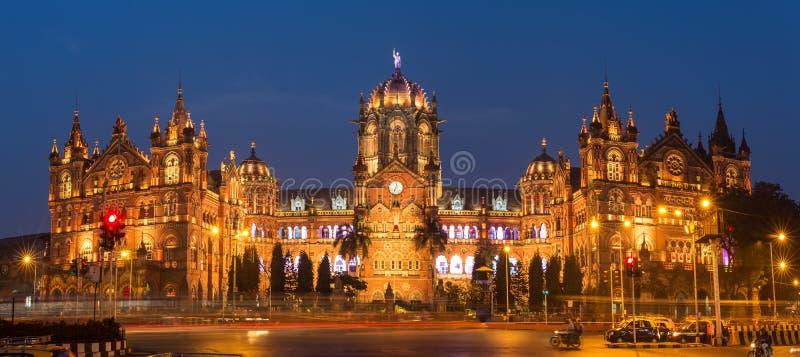 Chatrapati Shivaji Terminus als Victoria Terminus in Mumbai, India vroeger wordt bekend dat royalty-vrije stock foto