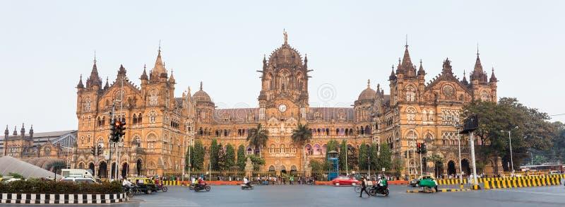 Chatrapati Shivaji Terminus tidigare som är bekant som Victoria Terminus i Mumbai, Indien fotografering för bildbyråer