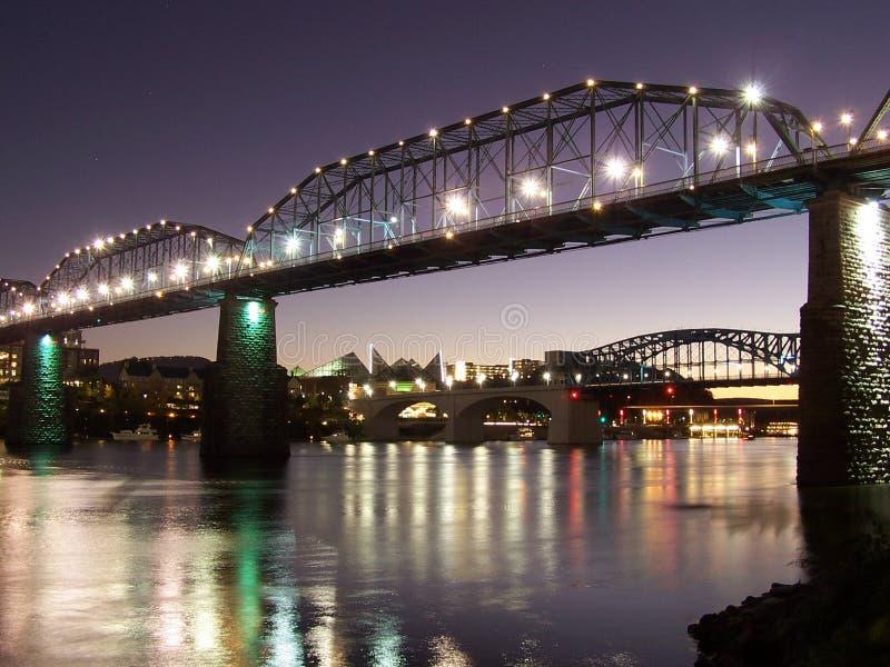 Chattanooga Tennesse glanst op de rivier stock foto