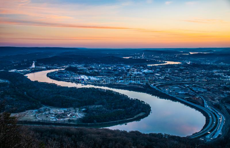 Chattanooga Tennessee Skyline e Tennessee River fotos de stock royalty free