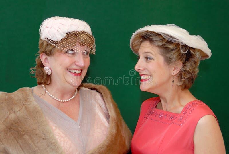 chatting fifties retro women στοκ εικόνες με δικαίωμα ελεύθερης χρήσης