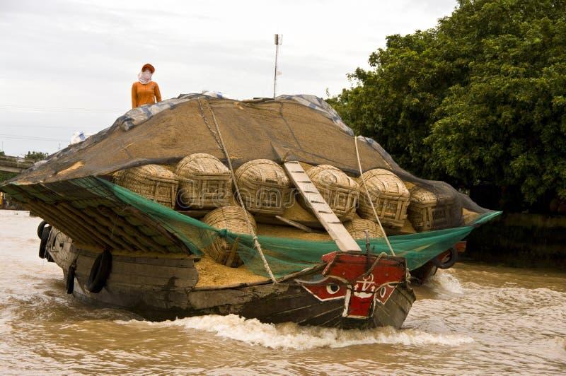 Chau Doc. sich hin- und herbewegender Markt, Vietnam stockfotografie