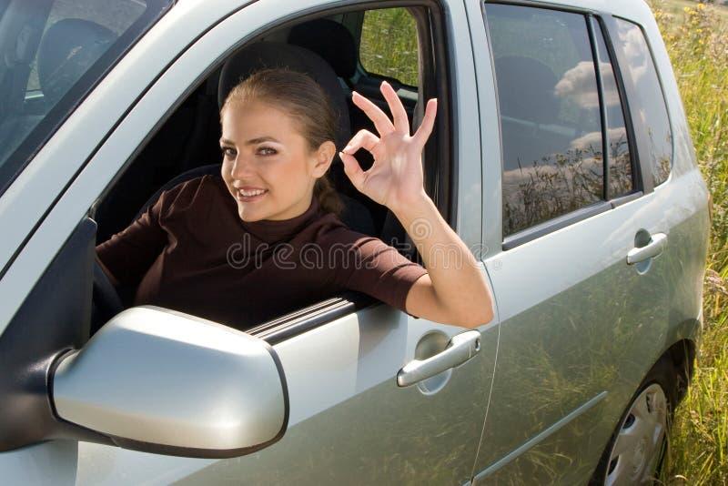 Chaufför som OK visar royaltyfri fotografi