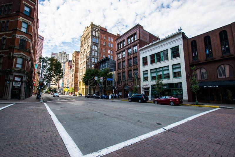 Chauffez le jour nuageux à Pittsburgh du centre, Pennsylvanie photo libre de droits