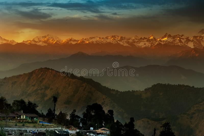 Chaukhamba-Sonnenuntergang, Garhwal-Himalaja, Indien lizenzfreie stockfotos