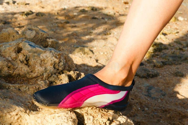 Chaussure de l'eau photo libre de droits