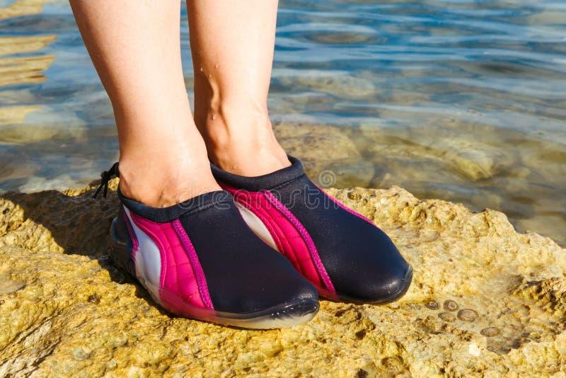 Chaussure de l'eau photos libres de droits