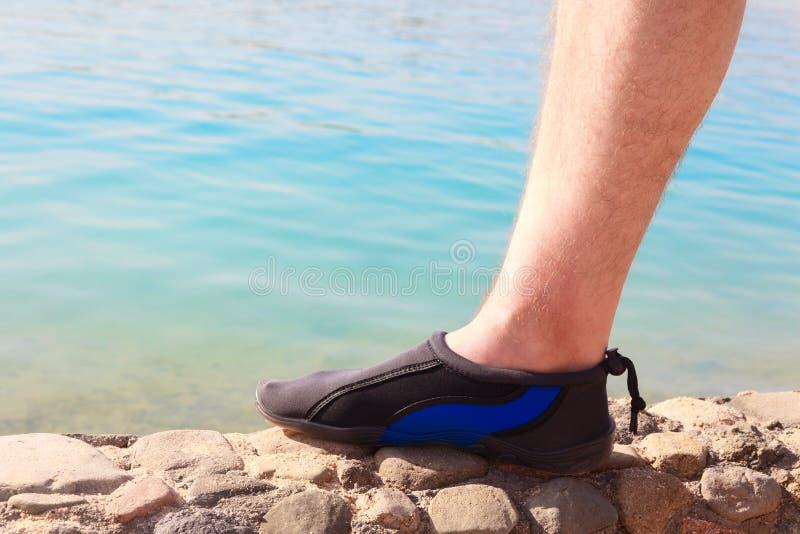 Chaussure de l'eau images libres de droits