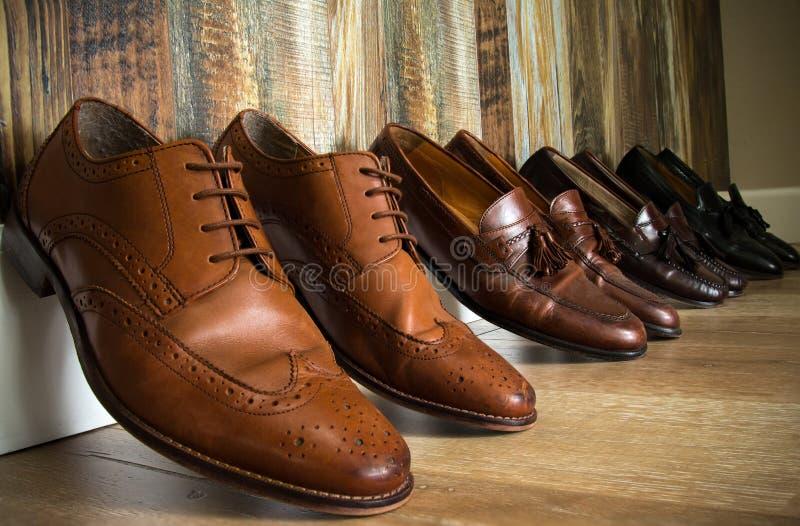 Chaussures élégantes de Brown photo libre de droits