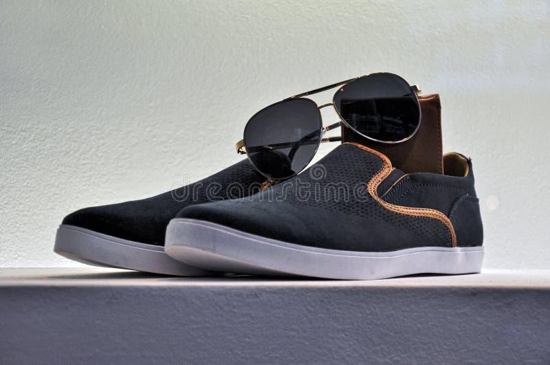 Chaussures élégantes de sport photos libres de droits