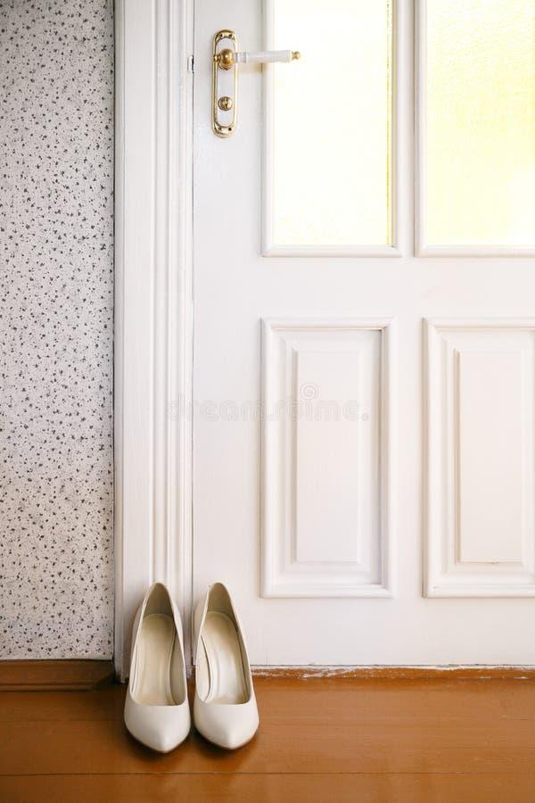 Chaussures blanches images libres de droits