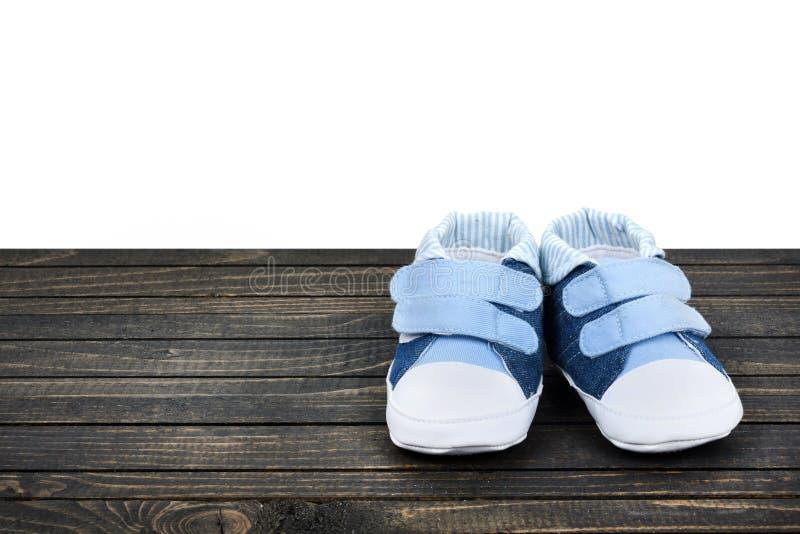 Download Chaussures D'enfant Sur Le Plancher Image stock - Image du infant, découpage: 76080669